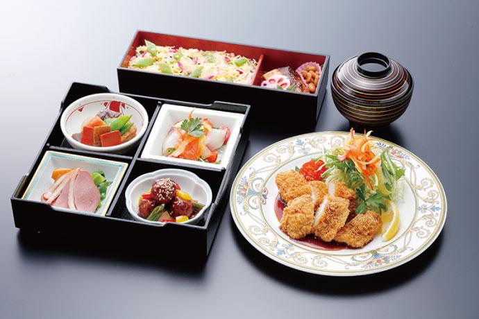 近江地鶏と滋賀の郷土料理の松花堂重「茶々」